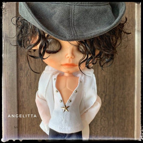 Possible only reservation! Michael Jackson OOAK Doll custom Blythe tbl