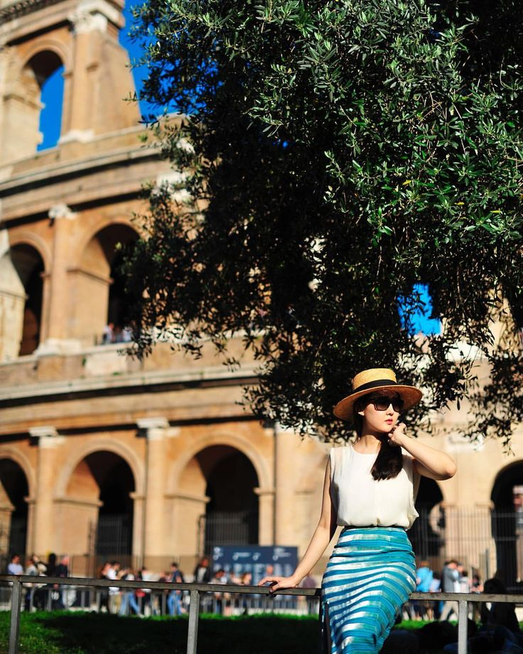 "11 Likes, 3 Comments - Dr.Ahn (@lady__koala) on Instagram: ""Straw hat from @assemble_official #colosseum #rome🇮🇹 #photoshoot #로마스냅 #로마스냅촬영 #싱글스냅 #이탈리아스냅…"""