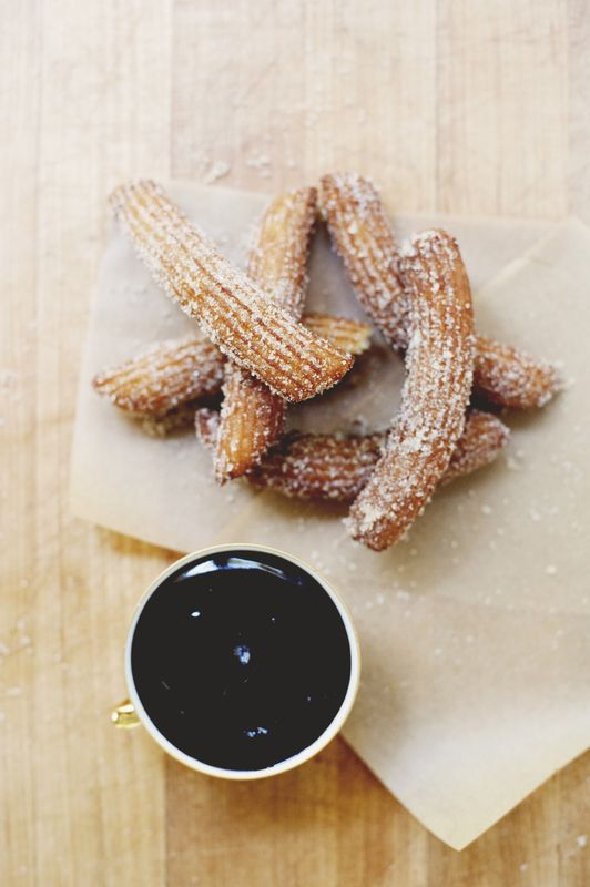 Churros Con Chocolate. Can't wait to try 'em.