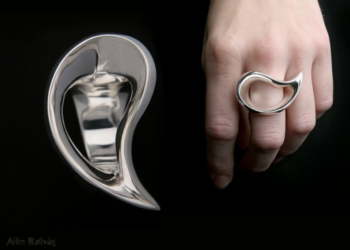 Solid cast ring in sterling silver, made by Ailin Roelvaag.   #ring #designersmykker