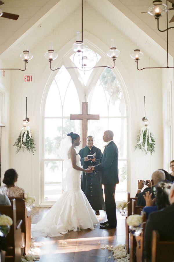 Sunday in January wedding at The Inn at Palmetto Bluff, a Montage Resort. Photo by Ashley Seawell, via Southern Weddings Magazine. Wedding Designer: Sage M. Beecher.