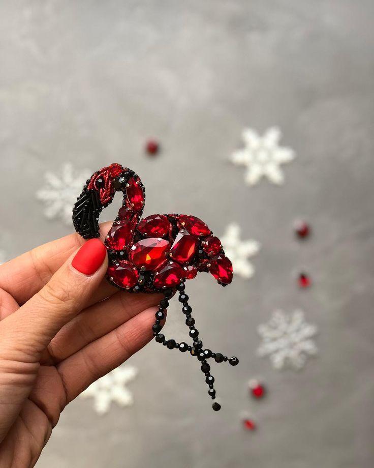 Цвет этого фламинго полюбили многие❤️ Сделан на заказ #брошьизбисера #брошь #embroidery #брошкаизбисера #брошкамосква #handmade #handmadejewelry #handmadeaccessory #handmadeaccessory #handmade_ru_jewellery