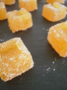PATE DE FRUITS A LA CLEMENTINE (320 g de sucre + 30 g, 70 g de Vitpris, 375 g de clémentines épluchées)