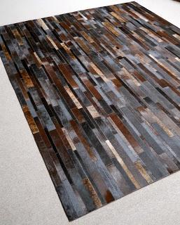 die 25 besten kuh teppich ideen auf pinterest dunkle vorh nge dunkles sofa und kuhfell teppich. Black Bedroom Furniture Sets. Home Design Ideas