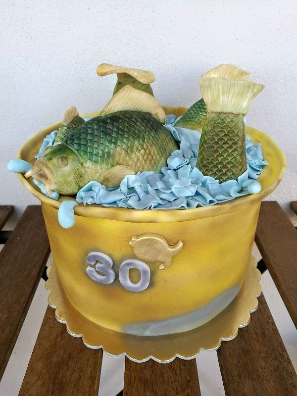 cake with fishes