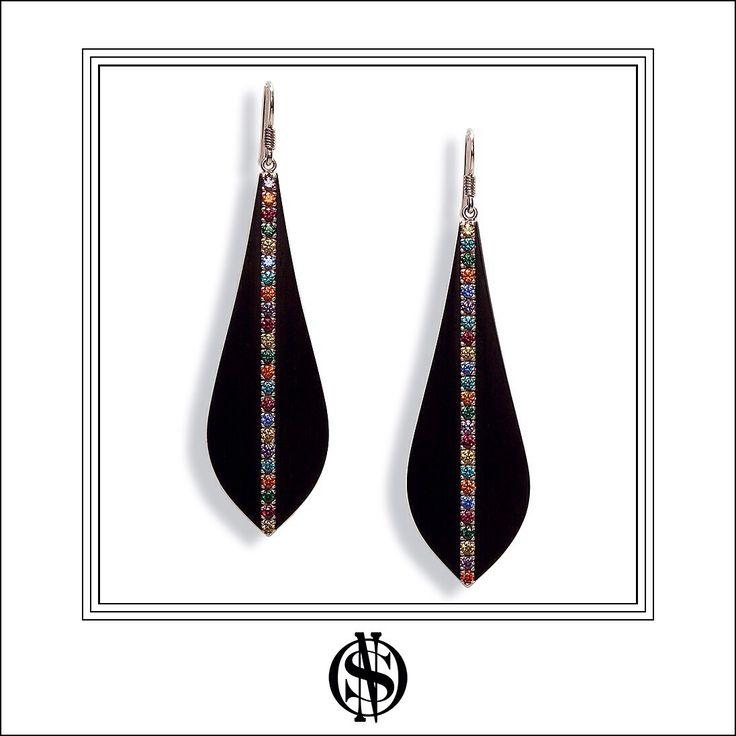 """Aros """"Zulu"""" hechos en plata, ébano y circones coloreados / Silver, ebony & colored zircons earrings by NSO"""