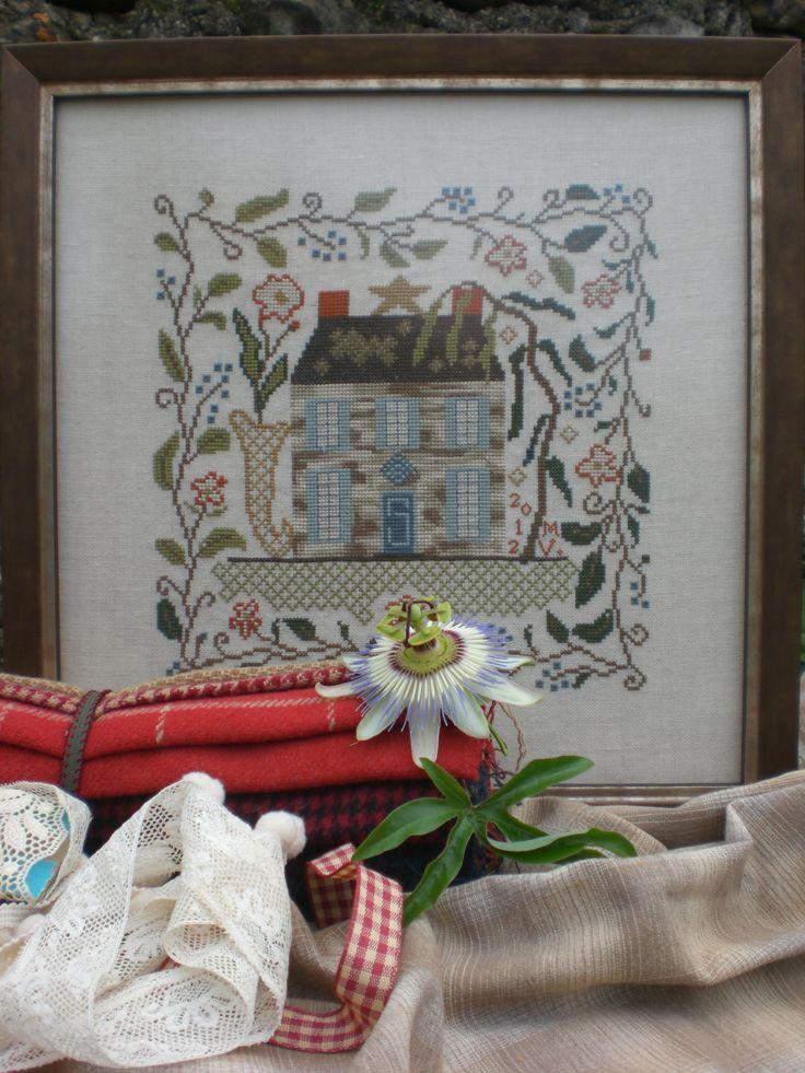 129 best gurutze puntu punto de cruz cross stitch for Blackbird designs strawberry garden