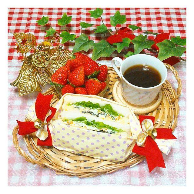 いつものことだけど 残りの食パンで サンドイッチ(*^ー^)だよ  #昼食#お昼ごはん #ランチ#ブランチ #サンドイッチ#パン #朝ごはん#朝ごぱん #朝食#クリスマス #ワンプレート#ぱぁァん #おうちカフェ#暮らし #おうちごはん#朝ごパン #lunch#food#Instafood #Instapicture#Instaphoto #bread#sandwich#cafe #Christmas#KURASHIRU #kaumo#teatime #breakfast#brunch