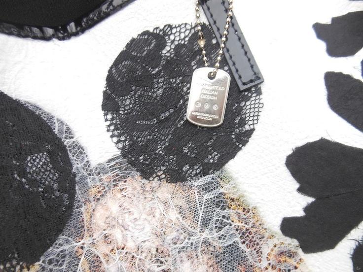 idea outfit borsa decorata, accessori mariagrzia panizzi, amanda marzolini porfessional outfit fashion blogger, indossare look con scarpe bordeaux, borse decorate in pizzo, decorated bags