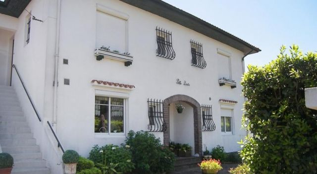 Apartment Pello Baita St Jean de Luz - 2 Star #Apartments - $81 - #Hotels #France #Saint-Jean-de-Luz http://www.justigo.ws/hotels/france/saint-jean-de-luz/pello-baita_58565.html