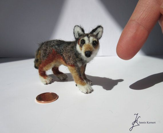 Needle Felted Grey Wolf in Scale 1:18 by KernertJuergeneering