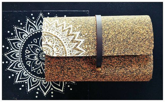 Cork Wallet and Tobacco Case~ Mandala Hand Drawing~  Favorite my Etsy shop: https://www.etsy.com/il-en/shop/EthnicaDesigns ~ Follow me on Pinterest: https://www.pinterest.com/diklal/