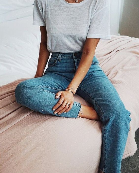 casual wear | outfits | denim | high waisted jeans | gray tees | simple