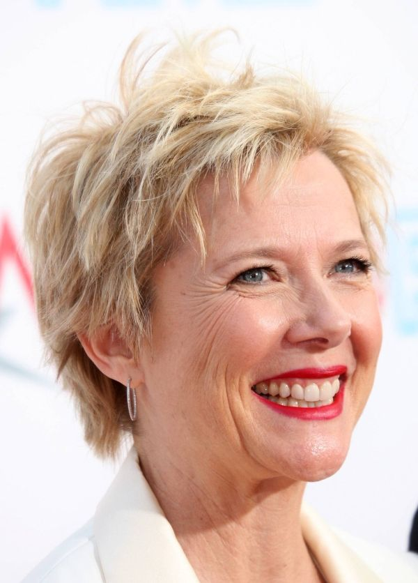 35 Lovely Short Hair Styles For Older Women