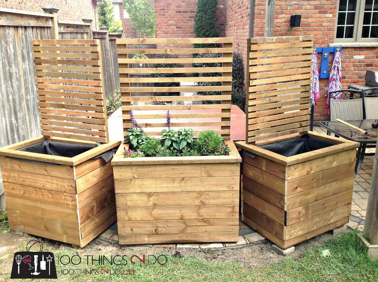 Diy privacy planter diy privacy sceen planters for Backyard privacy barriers