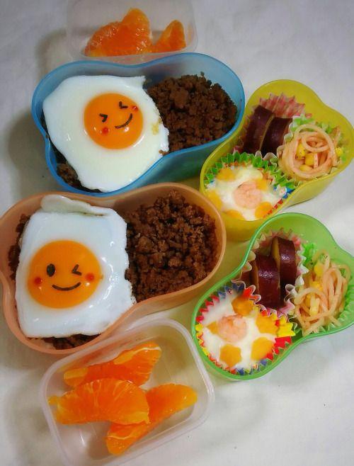 posted by @chika_5055 今日のお弁当そぼろon目玉焼き丼えびグラタン さつま芋の甘煮...