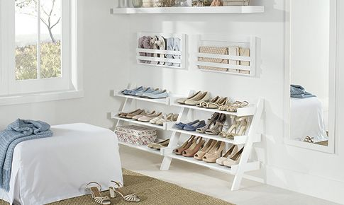 Manter diversos pares de sapato organizados e limpos pode ser um grande desafio. Confira dicas para tornar essa tarefa mais fácil.