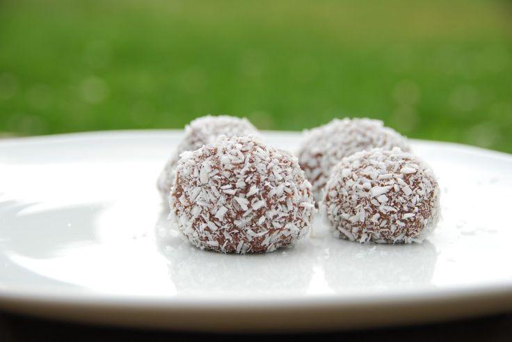 Romkugler med kokos - bedste opskrift på skønne romkugler