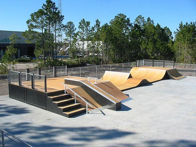 Another view of this complex, custom structure.  Only Spohn Ranch builds custom pieces like this for budget-conscious customers.  While other companies produce cookie-cutter parks with the same components, Spohn Ranch is always innovating & challenging the boundaries of skatepark design.