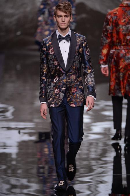 Louis Vuitton Men's Fall Winter 2013-2014  http://4.bp.blogspot.com/-z7X94yalqaE/UPh3rEp6_KI/AAAAAAAAZ-4/kdhogIHdmAk/s1600/Vuitton+Fall+Winter+Men+2013+39.JPG