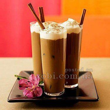 охлаждающий коктейль кофе фраппе