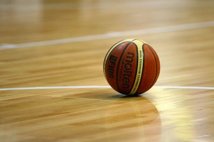 Ξύλινο δάπεδο για γήπεδο basket www.koligas.gr