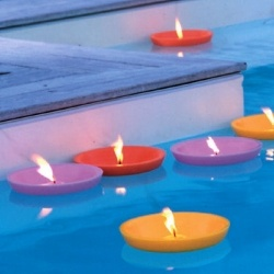 12 best images about lights by the pool on pinterest for Candele piscina