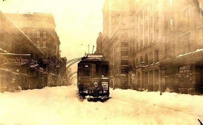 Kenton car on Third St....1916