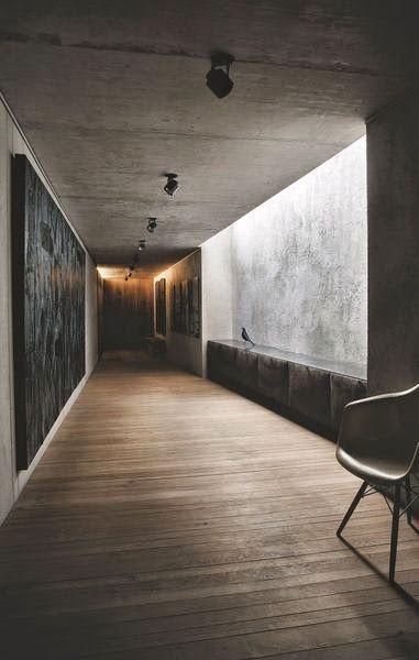 beton duvarlı koridor