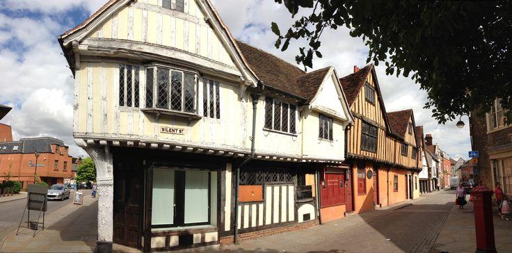 Ye olde looking street