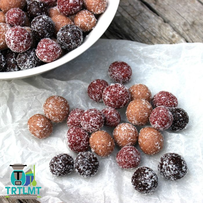Join us  These are delicious! These berrylicious bliss balls come from my Ready. Steady. Lunch! Mini Cookbook