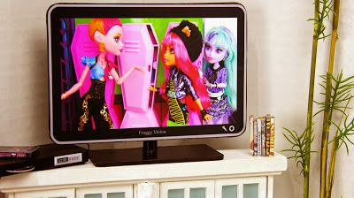 My Froggy Stuff: How to make a Doll Flat Screen TV with DVD Player: Special Monster High 13 Wishes Craft
