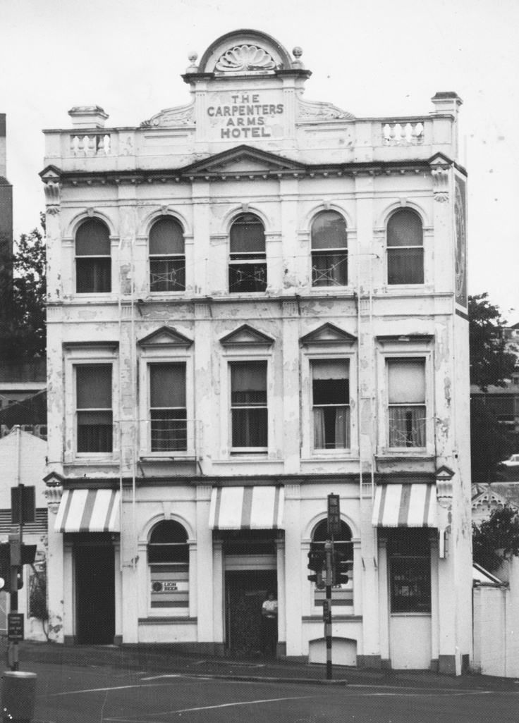 """""""The Carpenters Arms"""" 1982 cnr Greys ave and Mayoral Dr"""