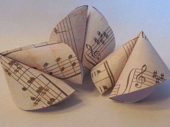 Music themed party favors. Great for musician's birthday, piano recitals or wedding décor