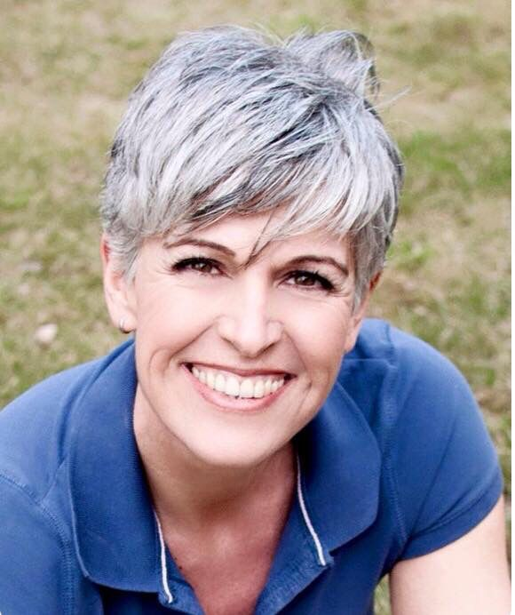 Super cute short silver gray hair. White hair. Granny hair. Salt and pepper gray hair. Aging and going gray gracefully.