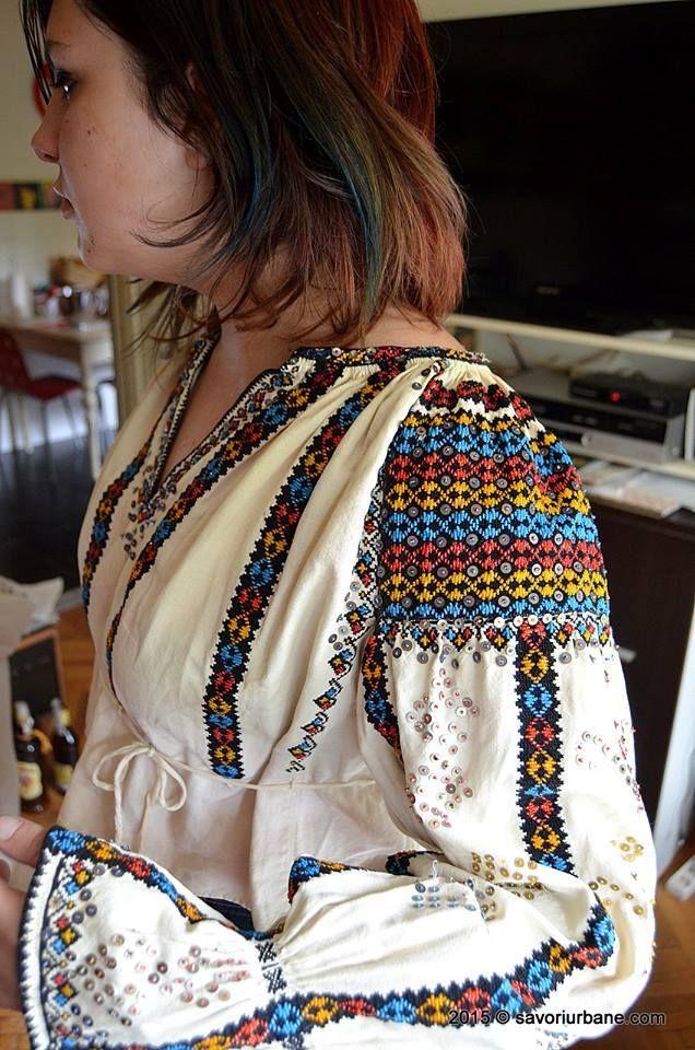 Vintage traditional Romanian blouse (IIE) -- cca. 115 years old, Suseni, Mures Country (cca. 1900) via Oana Igrețiu