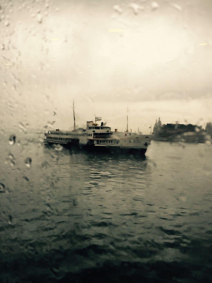 A rainy İstanbul morning