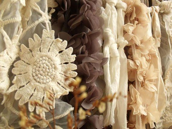 Stoff-Girlande Hintergrund Blume Spitze Neutral Creme grau
