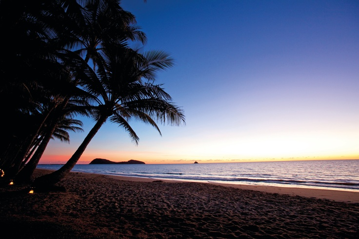 Enjoy the beautiful Sunrise in Palm Cove, Tropical North Queensland. #TropicalNorth #sunrise http://www.executiveretreats.com.au/