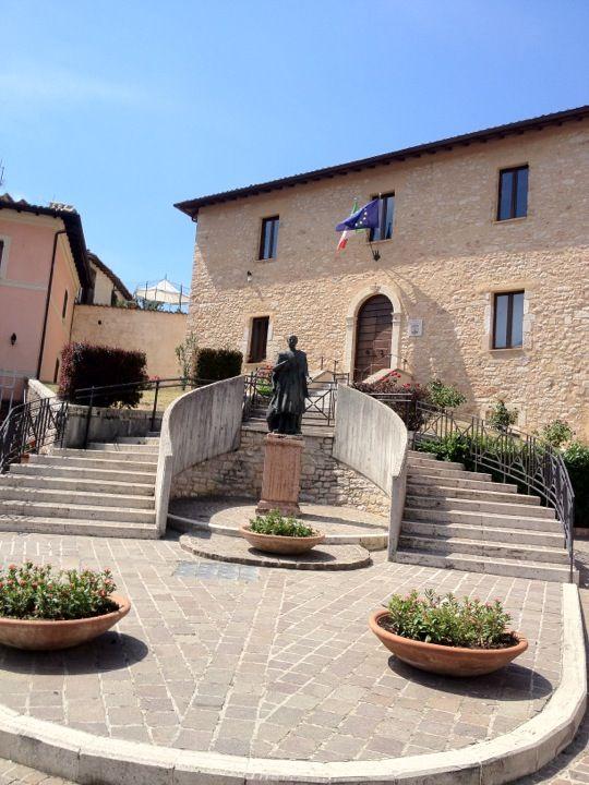 Cerreto di Spoleto I love the way Italian look