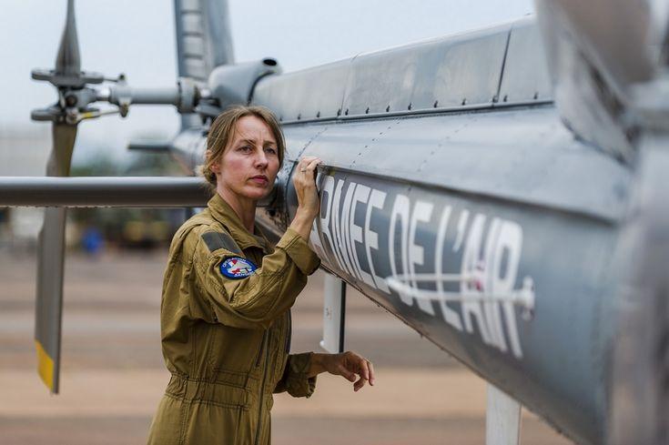 Commandant GAËLLE. 36ans. Pilote d'hélicoptère Fennec dans l'armée de l'Air.