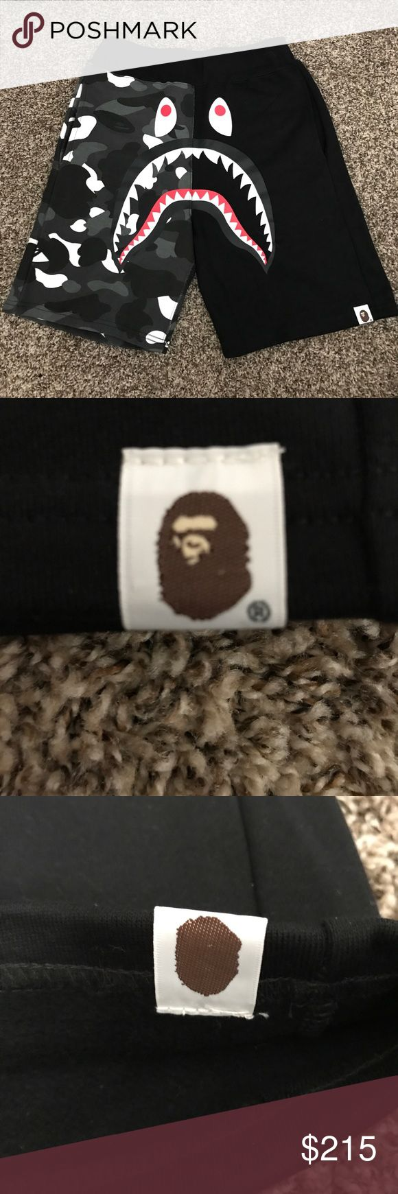 Bape Camo Shark Shorts Worn one, in perfect condition A Bathing Ape Shorts Athletic