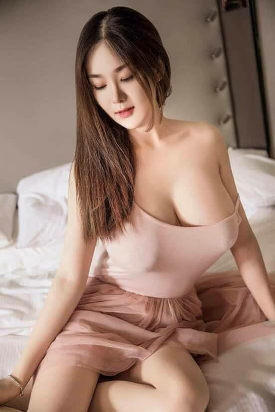 nguyen hong nhung naked pic