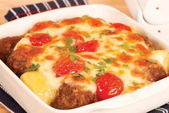 Beşamel soslu köfte tarifi... AYNUR AKDEMİR adlı okurumuzun gönderdiği beşamel soslu köfte tarifi...  http://www.hurriyetaile.com/yemek-tarifleri/sizden-gelenler/besamel-soslu-kofte-tarifi_4000.html