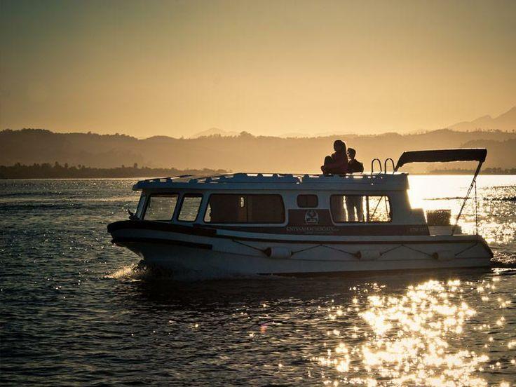 Knysna Houseboats, Garden Route - Lake living!
