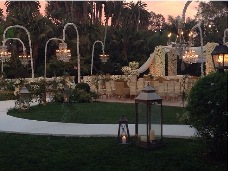 LOVED this ceremony setup from Sean and Catherine's wedding! Swooning over the lighting! #thebachelorwedding