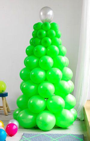 Een boom van balonnen! Leuk voor buiten, een kinderfeestje of zelfs als alternatieve kerstboom...