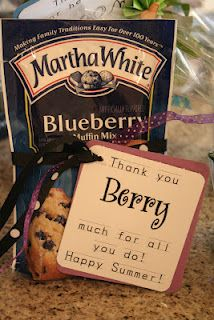 Cinnaberry Suite: Cute teacher thank you....could even do Williams & Sonoma or Stonewall Kitchen.....Blueberry pancakes maybe???