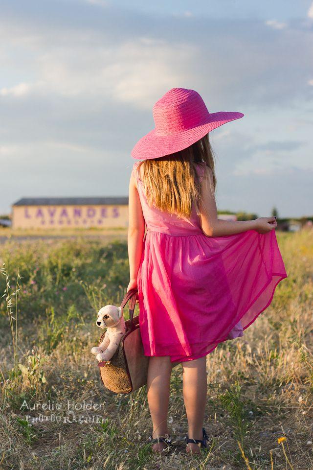 aurelia-holder-photographie-photo-photographe-marseille-manosque-aix-en-provence-var-sud-montbeliard-seance-fun-enfant-portrait-valensole-lavande-nature
