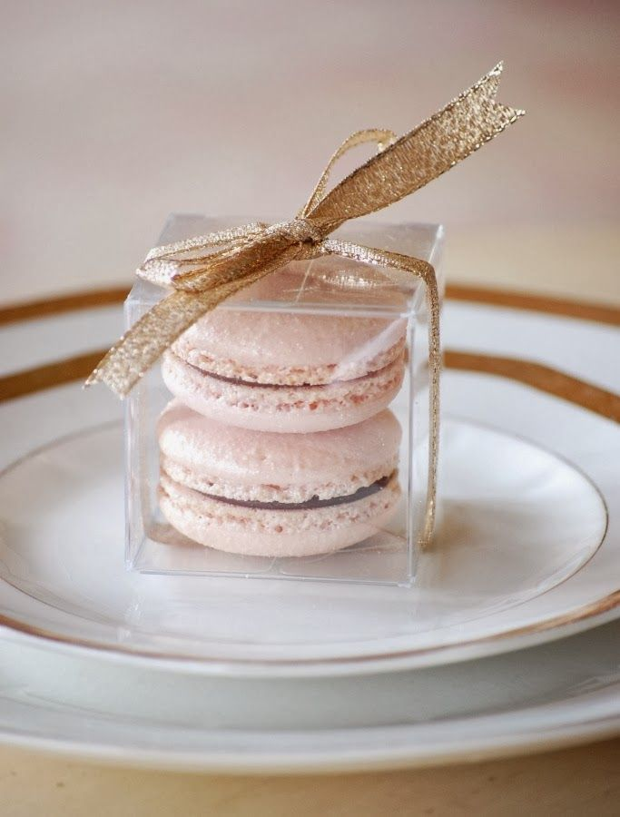15 FAVOURS THAT DON'T SUCK - macarons